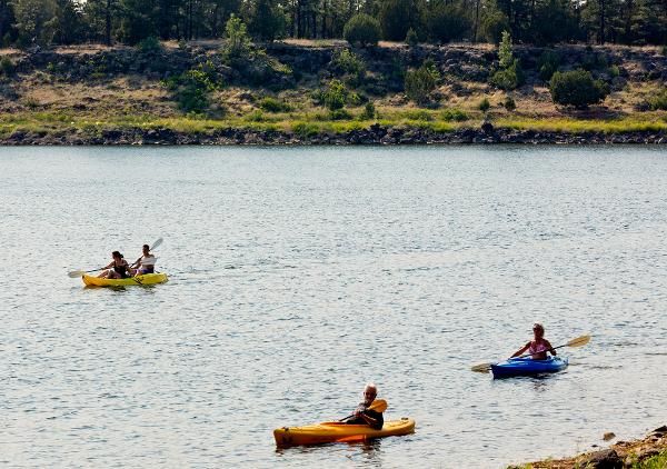 Boat and kayak rentals at Fool Hollow Lake, AZ